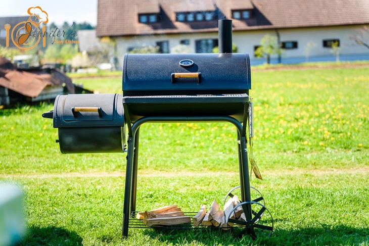 5 Of The Best Gas Smokers For Every Smoked Food Enthusiasts!