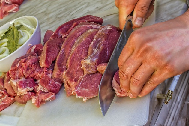Cutting meat for jerky