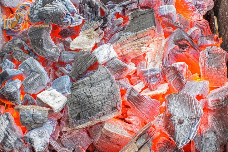 The Best Lump Charcoal For Your Barbecuing and Grilling Needs!