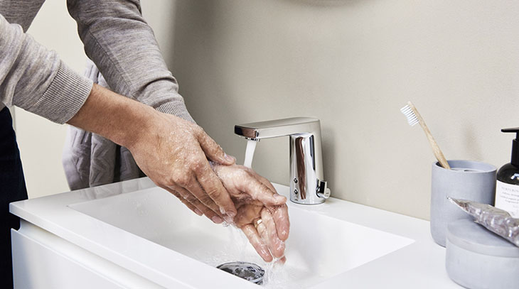 5 Reasons to Use Touchless Faucets